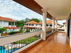 House for sale Jomtien showing the balcony