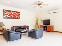 House for sale View Talay Villas Jomtien showing the living area
