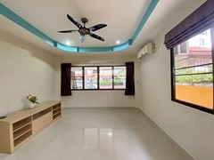 House for sale Jomtien showing the office room