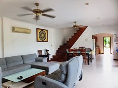 House for sale Jomtien showing the open plan area