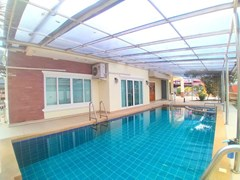 House for sale Mabprachan Pattaya showing the private swimming pool