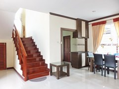 House for sale Na Jomtien Pattaya showing the dining and kitchen areas