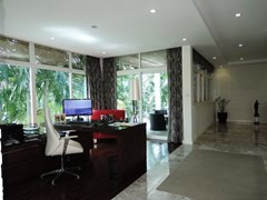 House for sale Pattaya Phoenix Golf Course showing the office area