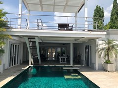 House for sale Pattaya SIAM ROYAL VIEW showing the rooftop terrace