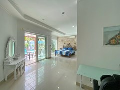House for sale Pratumnak Pattaya showing the second master bedroom with office area