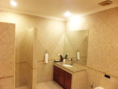 House for sale View Talay Villas Jomtien showing the master bathroom