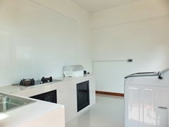 House for sale WongAmat Pattaya showing the kitchen