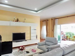 House for sale WongAmat Pattaya showing the living area