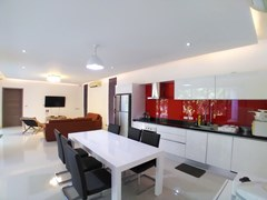 House for sale Mabprachan Pattaya showing the open plan concept