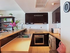 Condominium for rent Northshore Pattaya showing the kitchen