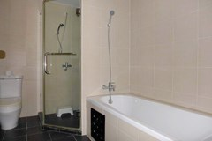 Condominium for rent in Pattaya showing the bathroom
