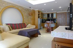 Condominium for rent in Pattaya showing the living room