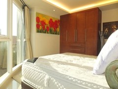 Condominium for Rent Central Pattaya showing the second bedroom with furniture