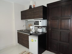 Condominium for rent Jomtien Park Lane showing the kitchen