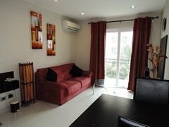 Condominium for rent Jomtien Park Lane showing the living area