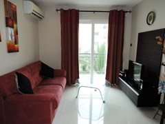 Condominium for rent Jomtien Park Lane showing the living room
