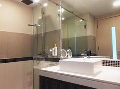Condominium for rent Wong Amat Tower showing the bathroom