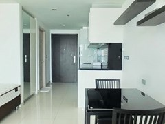 Condominium for rent Wong Amat Tower showing the dining, kitchen and bathroom