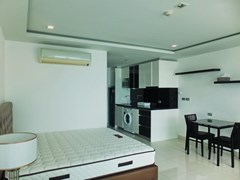 Condominium for rent Wong Amat Tower showing the sleeping, dining and kitchen areas