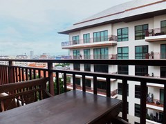 Condominium for Rent Pattaya showing the balcony and view