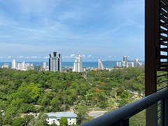 Condominium for rent UNIXX South Pattaya showing the balcony and view