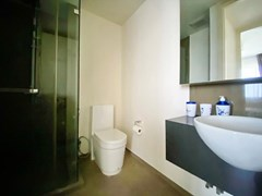 Condominium for rent UNIXX South Pattaya showing the bathroom