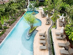 Condominium for rent Pattaya showing the communal pool and terrace