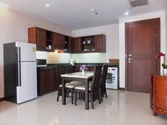 Condominium for Rent Pattaya showing the dining and kitchen areas