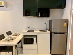 Condominium for rent Pattaya showing the kitchen area