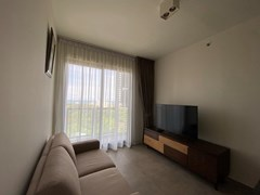 Condominium for rent UNIXX South Pattaya showing the living area and balcony