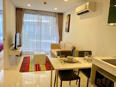 Condominium for rent Pattaya showing the living room