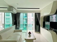 Condominium for rent Pattaya showing the living room and balcony