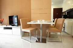 Condominium for sale Jomtien showing the dining area