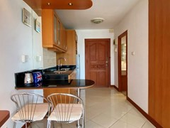 Condominium for Sale Jomtien showing the kitchen