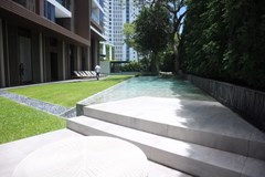 Condominium For Sale Wongamat showing the communal pool