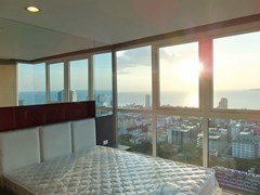 Condominium for sale Pratumnak Hill Pattaya showing the master bedroom with sea view