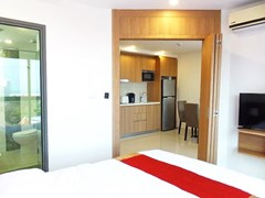 Condominium for sale Pratumnak Hill Pattaya showing the bedroom