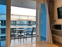 Condominium for sale Central Pattaya showing the balcony
