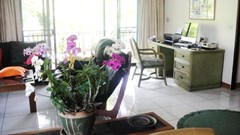 Condominium for sale in Jomtien at Chateau Dale showing the office area