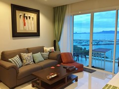 Condominium for sale Na Jomtien Pattaya showing the living room