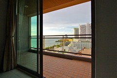 Condominium for sale Northshore Pattaya showing the balcony with views north