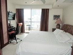 Condominium for sale Northshore Pattaya showing the master bedroom