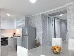 Condominium for sale Central Pattaya showing the dining, kitchen and guest bathroom