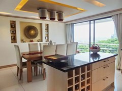 Condominium for Sale Pratumnak Hill showing the dining area