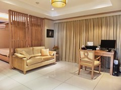 Condominium for Sale Pratumnak Hill showing the master bedroom