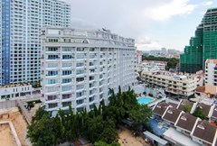 Condominium for sale The Peak Pattaya showing the condo building