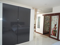 Condominium for rent Pratumnak Hill showing the bedroom suite