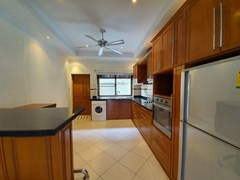 House for rent Jomtien Pattaya showing the kitchen with washing machine