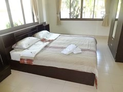House for rent Jomtien Pattaya showing the master bedroom