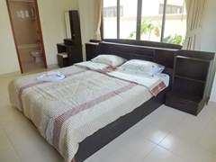 House for rent Jomtien Pattaya showing the master bedroom suite